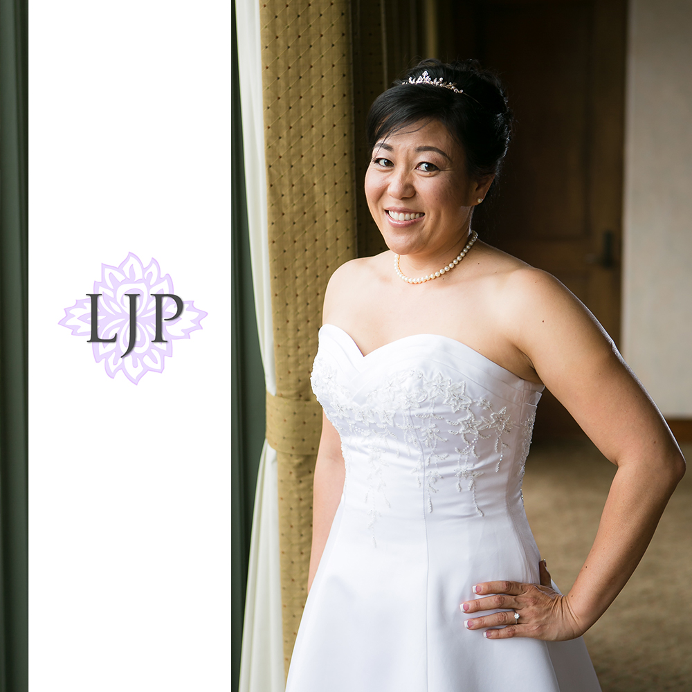 04-south-hills-country-club-wedding-photographer-getting-ready-photos