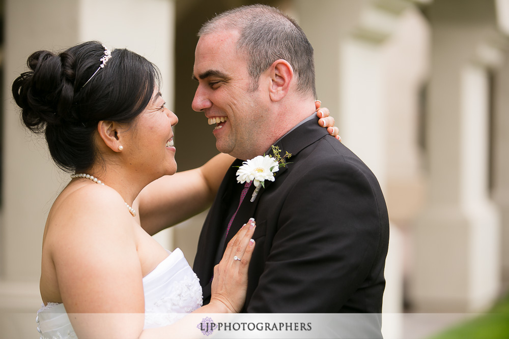 07-south-hills-country-club-wedding-photographer-first-look-photos