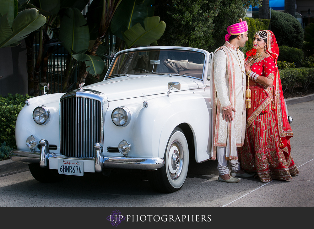 09-the-ritz-carlton-marina-del-rey-indian-wedding-photographer-first-look-couple-session-photos