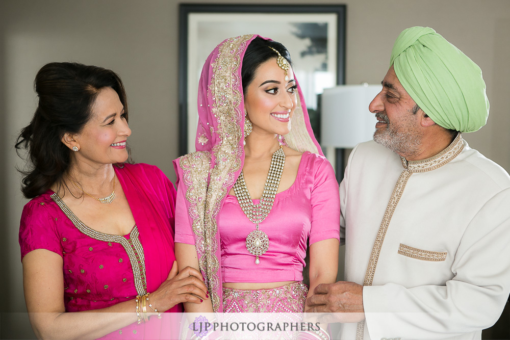 11-the-julia-morgan-ballroom-san-francisco-indian-wedding-photographer-getting-ready-photos