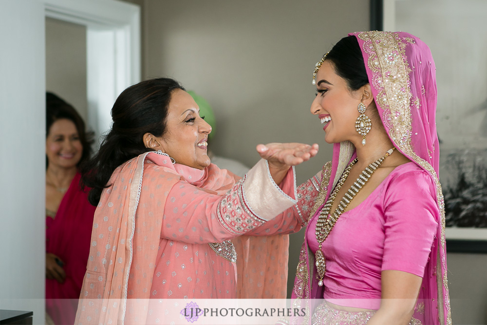 12-the-julia-morgan-ballroom-san-francisco-indian-wedding-photographer-getting-ready-photos