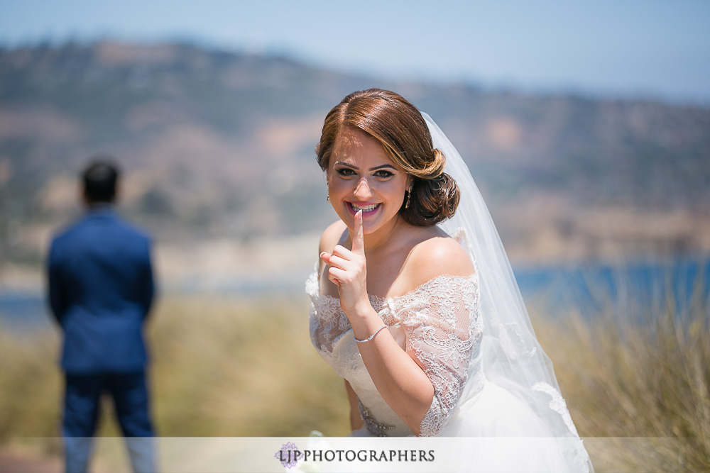 16-los-verdes-golf-course-wedding-photographer-first-look-couple-session-photos