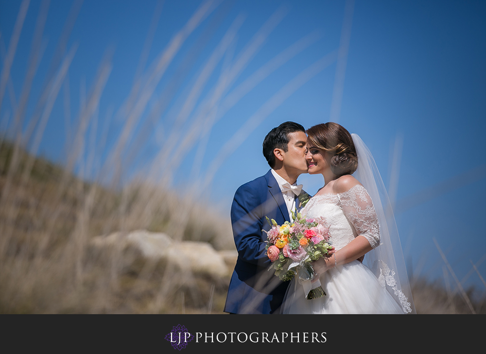 19-los-verdes-golf-course-wedding-photographer-first-look-couple-session-photos