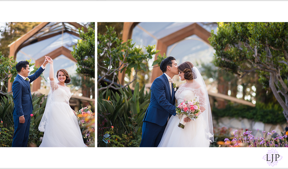 21-los-verdes-golf-course-wedding-photographer-first-look-couple-session-photos