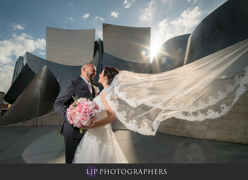 22-walt-disney-concert-hall-wedding-party-couple-session-photos