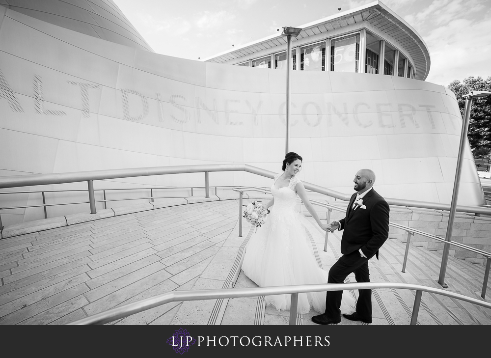 23-walt-disney-concert-hall-wedding-party-couple-session-photos