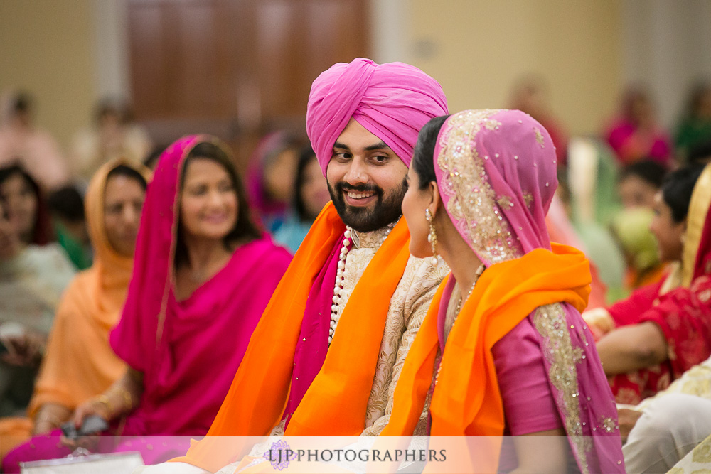 28-the-julia-morgan-ballroom-san-francisco-indian-wedding-photographer-baraat-wedding-ceremony-photos