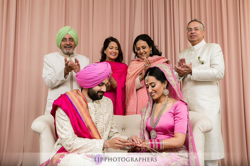 29-the-julia-morgan-ballroom-san-francisco-indian-wedding-photographer-baraat-wedding-ceremony-photos