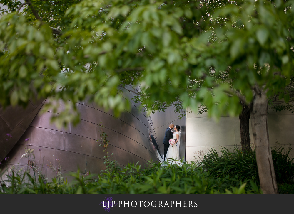 29-walt-disney-concert-hall-wedding-party-couple-session-photos