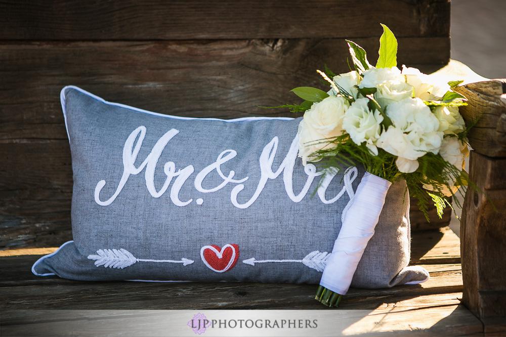 02-oak-creek-golf-club-wedding-photographer-getting-ready-photos
