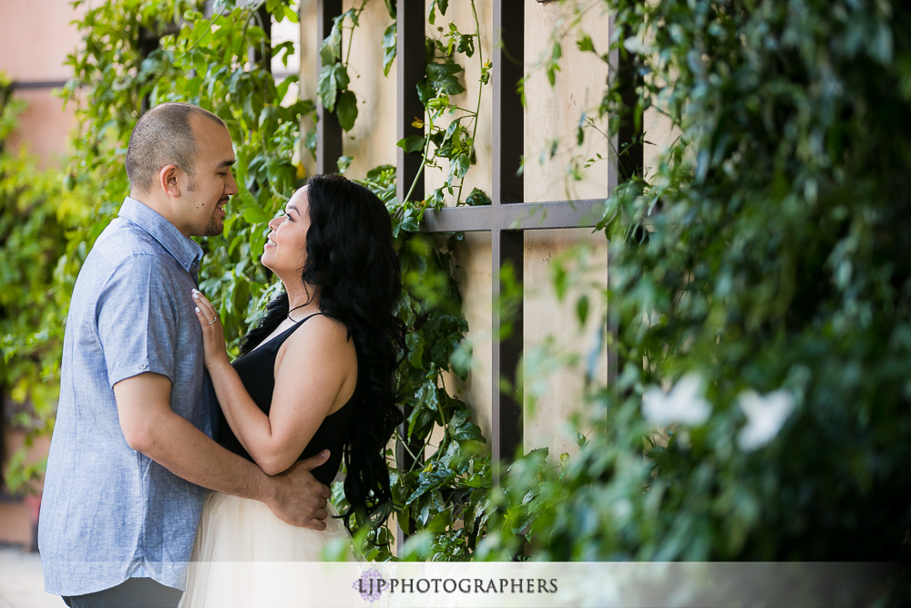 03-laguna-beach-engagement-photographer