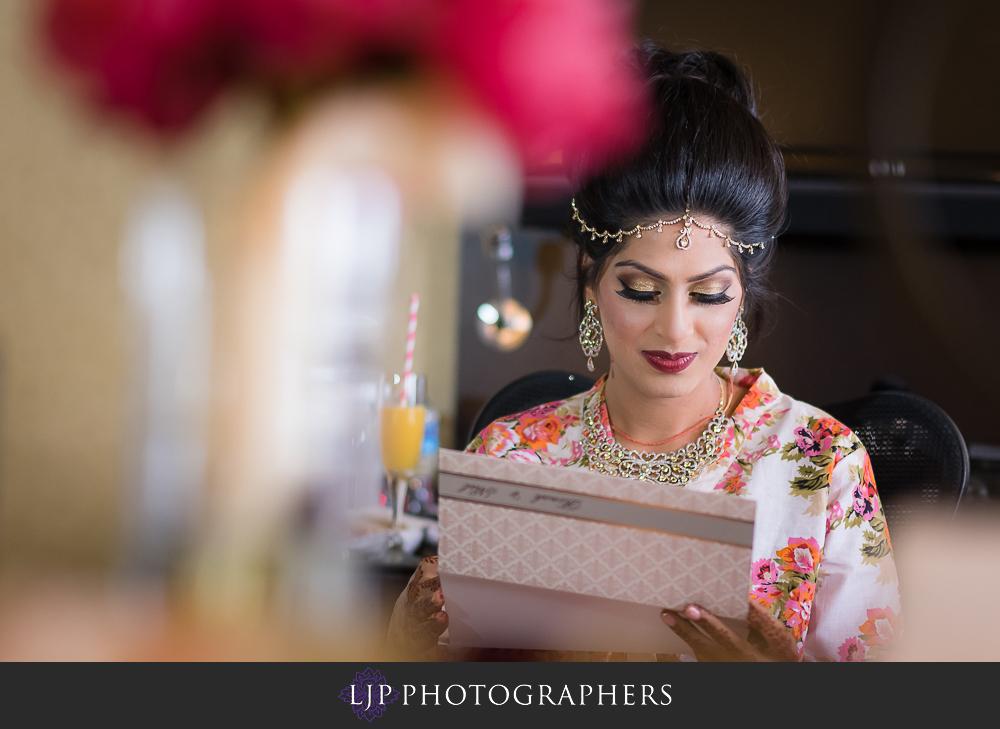 05-anaheim-marriott-indian-wedding-photographer-getting-ready-photos
