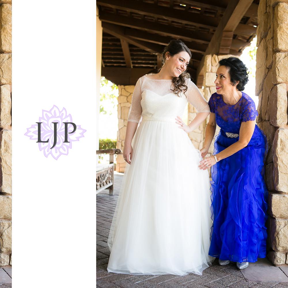05-oak-creek-golf-club-wedding-photographer-getting-ready-photos