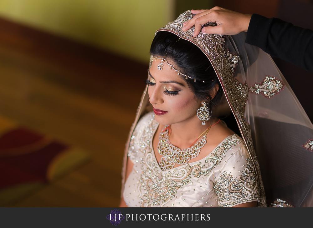06-anaheim-marriott-indian-wedding-photographer-getting-ready-photos