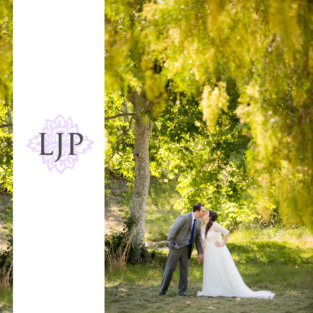 10-oak-creek-golf-club-wedding-photographer-first-look-couple-session-photos