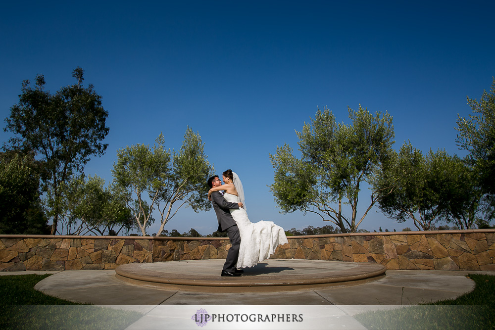 11-old-ranch-country-club-wedding-photographer-couple-session-photos