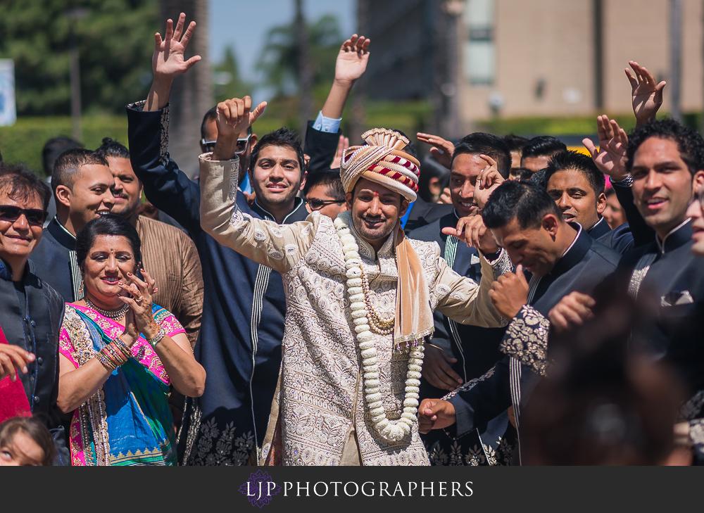 17-anaheim-marriott-indian-wedding-photographer-wedding-ceremony-photos