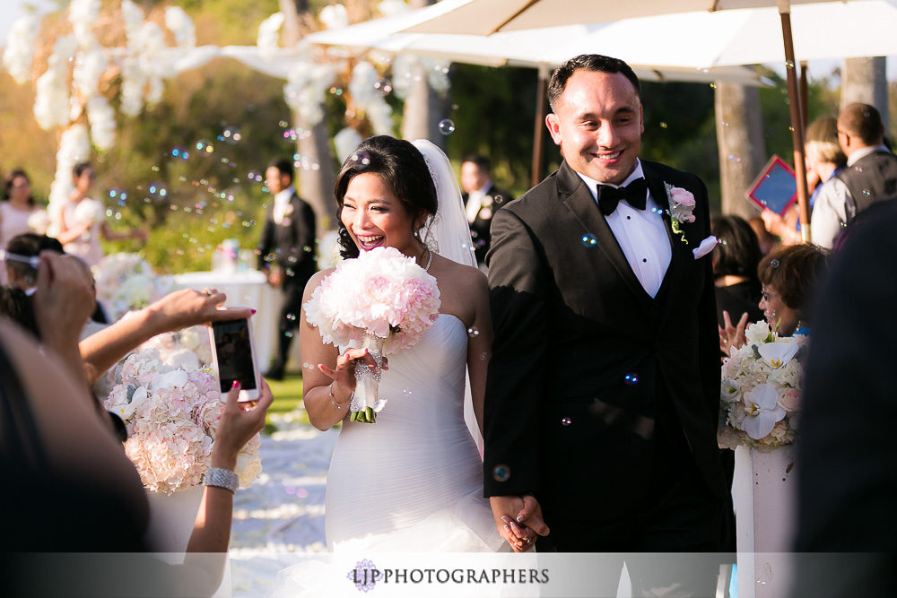 17-los-coyotes-country-club-wedding-photographer-wedding-ceremony-photos