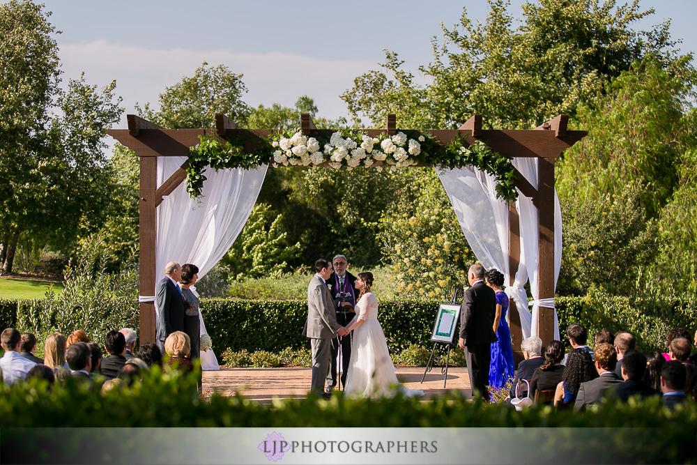 17-oak-creek-golf-club-wedding-photographer-wedding-ceremony-photos