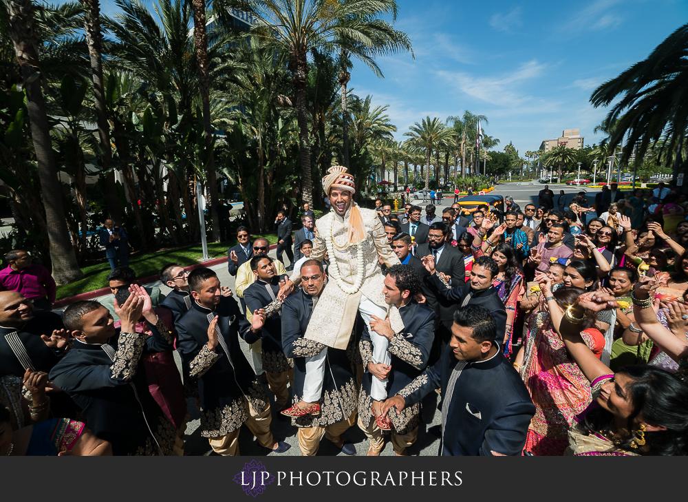 20-anaheim-marriott-indian-wedding-photographer-wedding-ceremony-photos