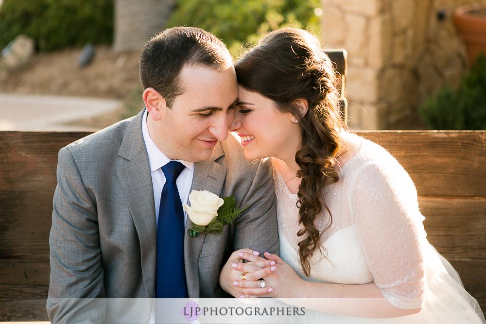 22-oak-creek-golf-club-wedding-photographer-couple-session-photos