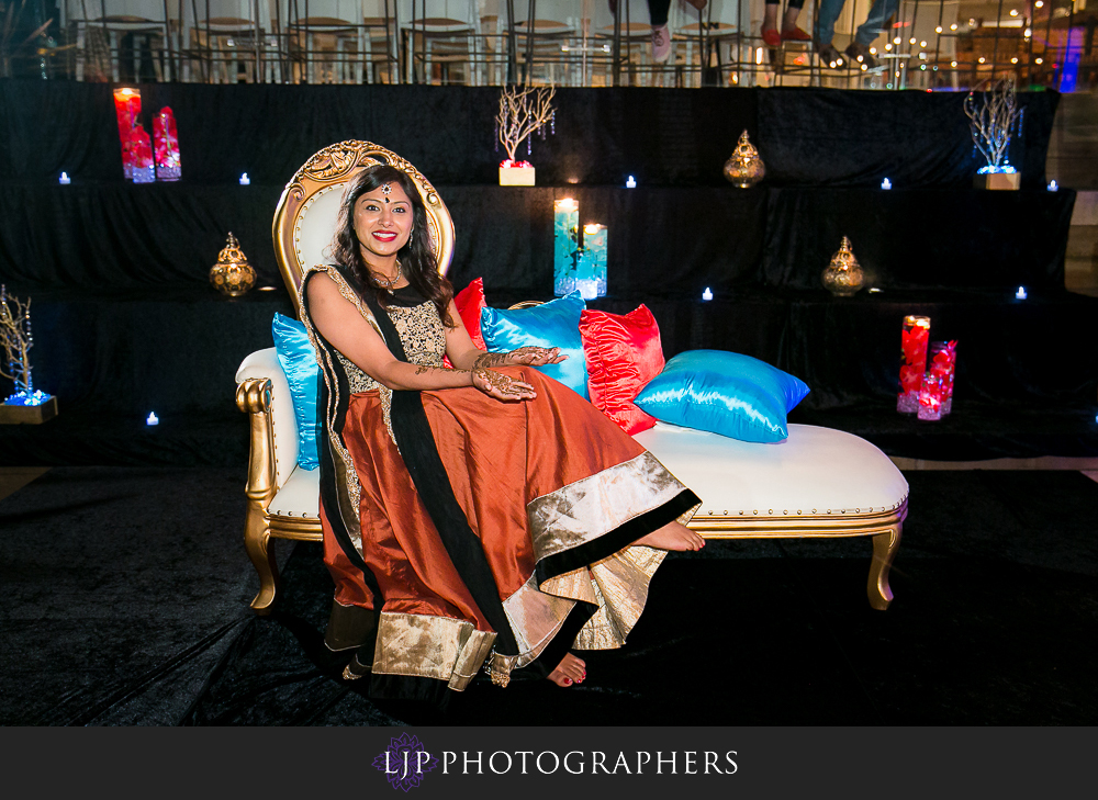 28-hotel-maya-pre-wedding-indian-photographer
