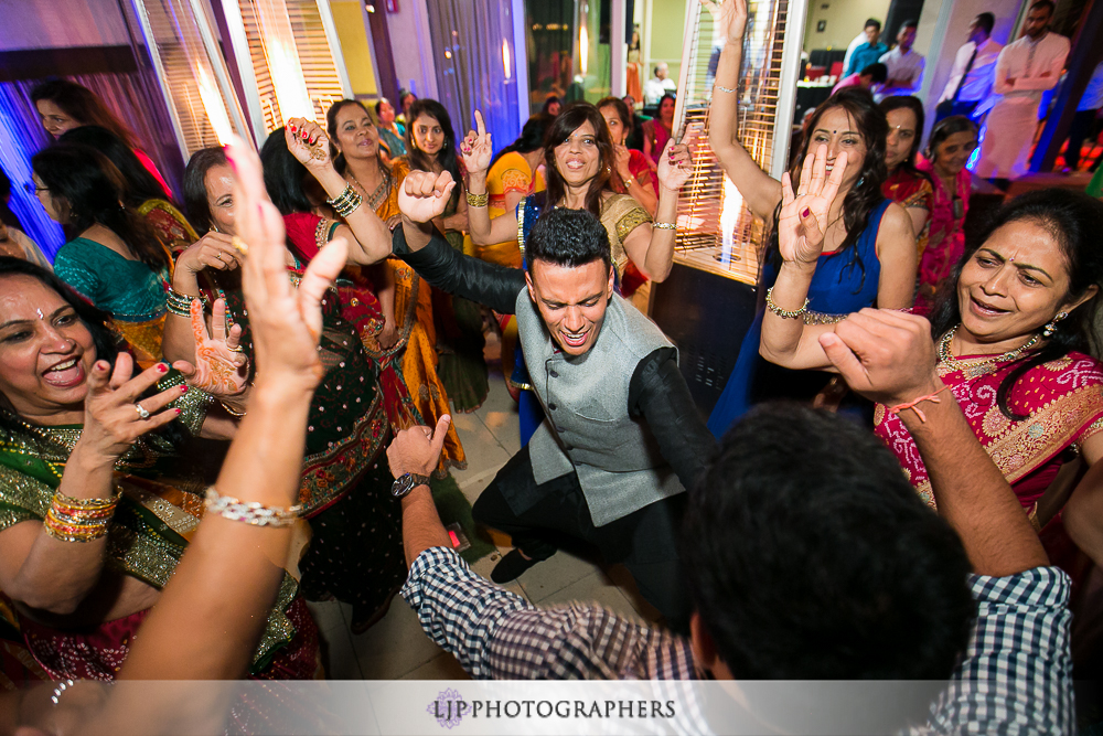33-hotel-maya-pre-wedding-indian-photographer