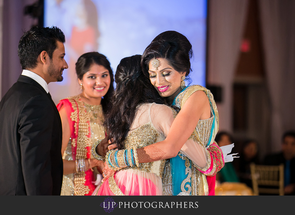 34-anaheim-marriott-indian-wedding-photographer-wedding-reception-photos