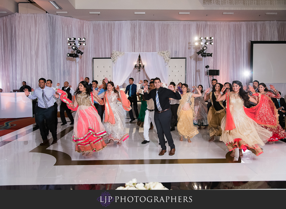 35-anaheim-marriott-indian-wedding-photographer-wedding-reception-photos