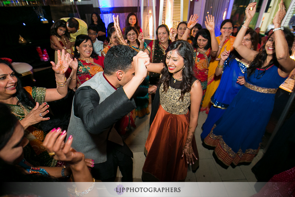 40-hotel-maya-pre-wedding-indian-photographer
