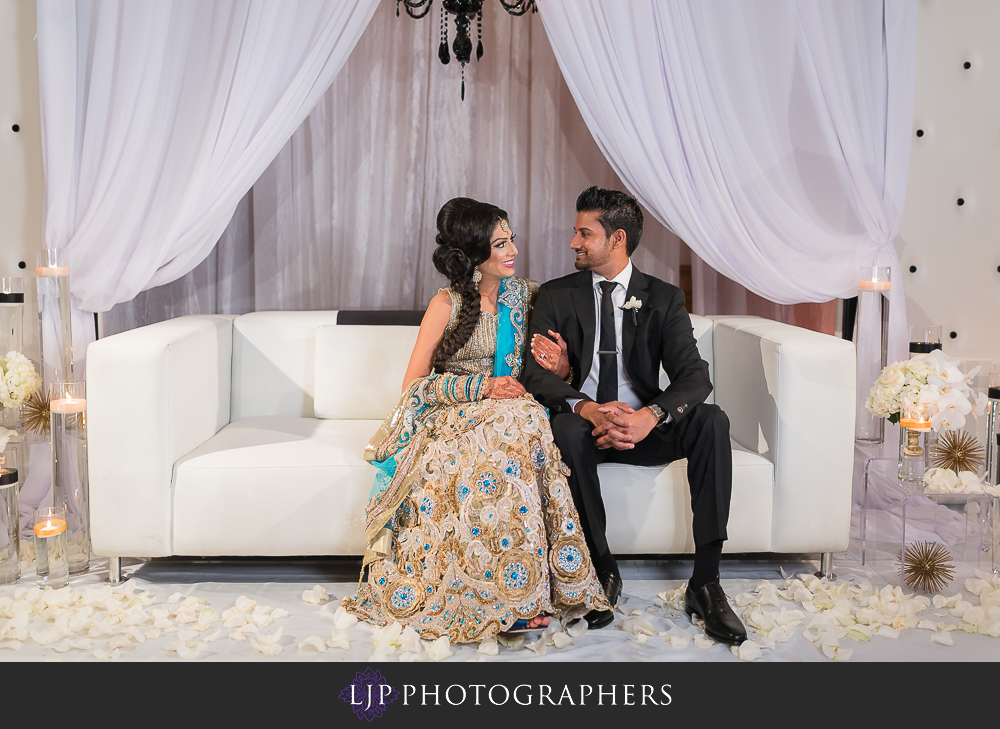 45-anaheim-marriott-indian-wedding-photographer-wedding-reception-photos