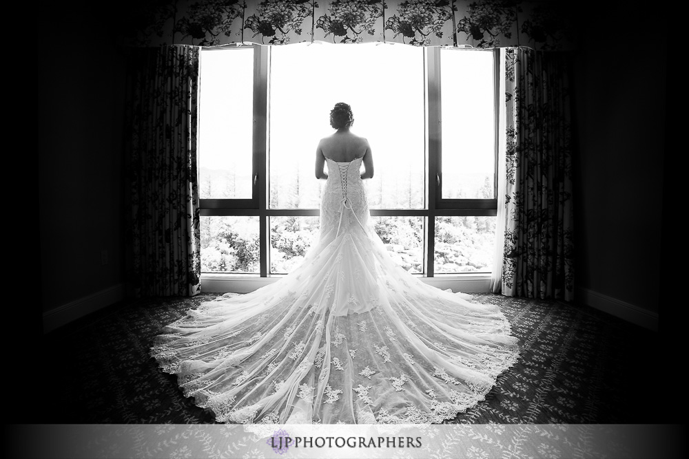 09-four-seasons-hotel-westlake-village-wedding-photographer-getting-ready-photos