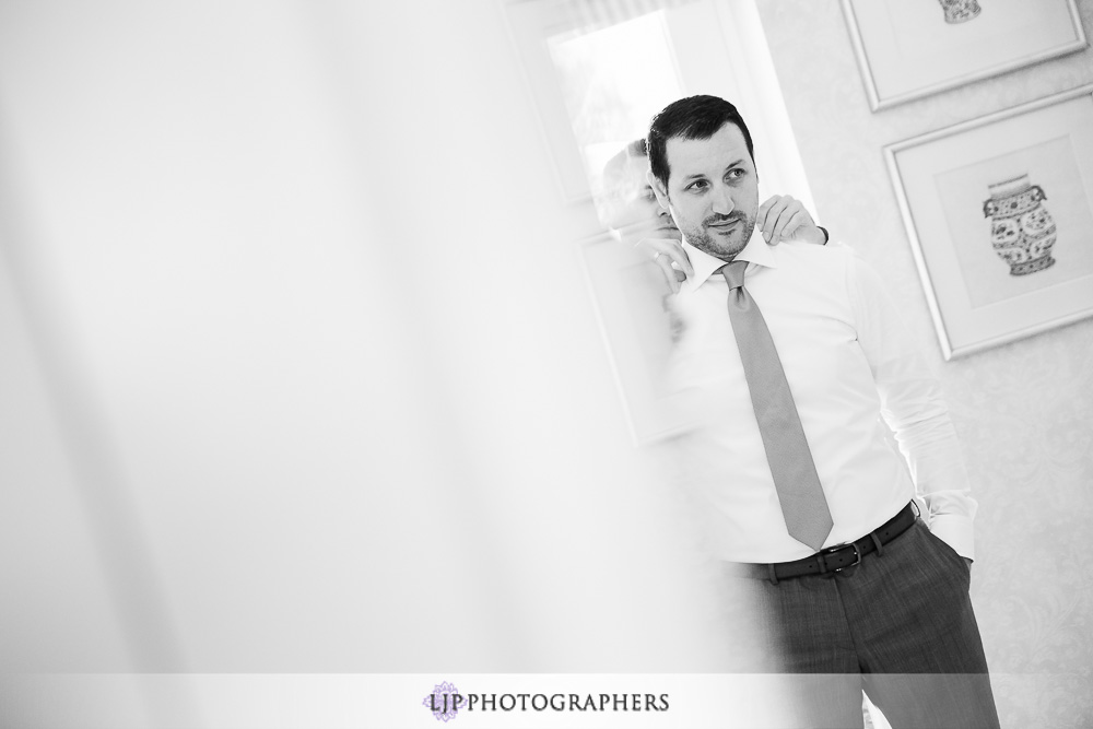10-four-seasons-hotel-westlake-village-wedding-photographer-getting-ready-photos