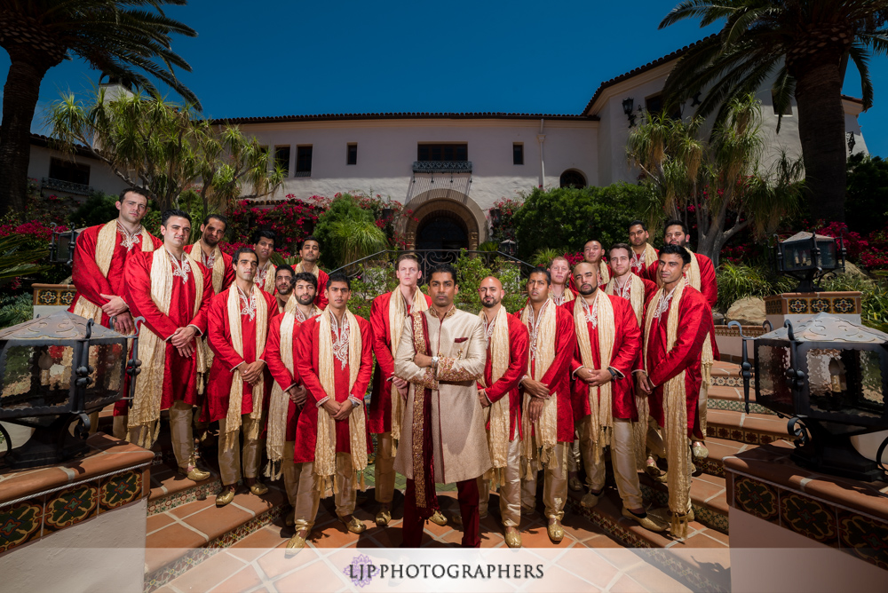 11-hummingbird-nest-ranch-indian-wedding-photographer-wedding-party-photos