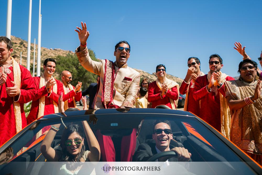16-hummingbird-nest-ranch-indian-wedding-photographer-wedding-ceremony-photos