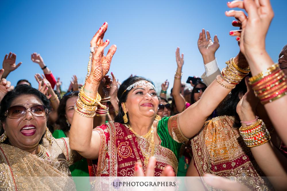 18-hummingbird-nest-ranch-indian-wedding-photographer-wedding-ceremony-photos