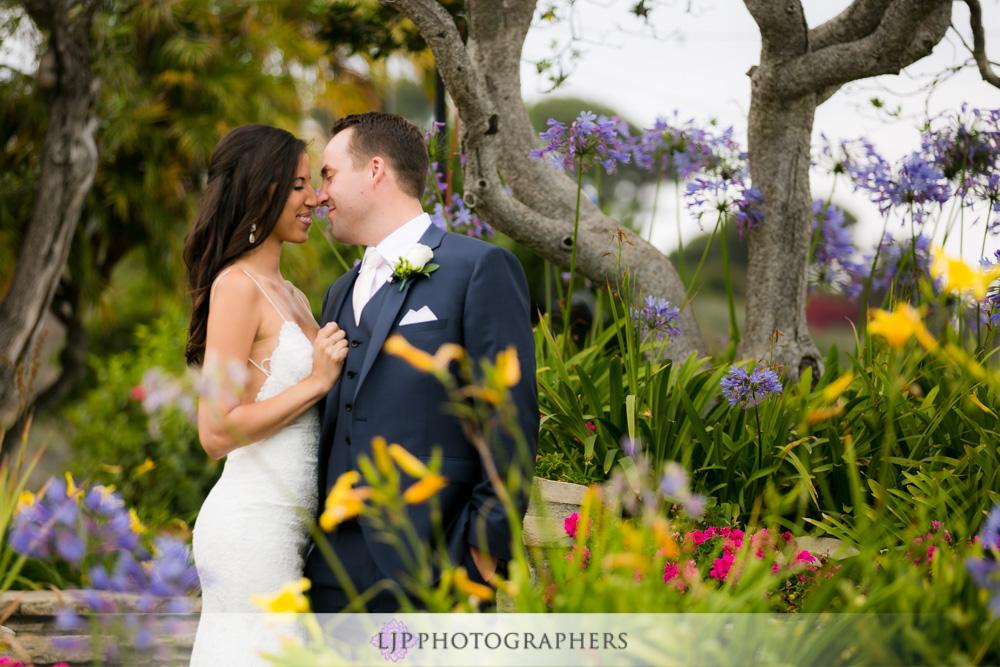 20-adamson-house-malibu-wedding-photographer-wedding-first-look-wedding-party-photos