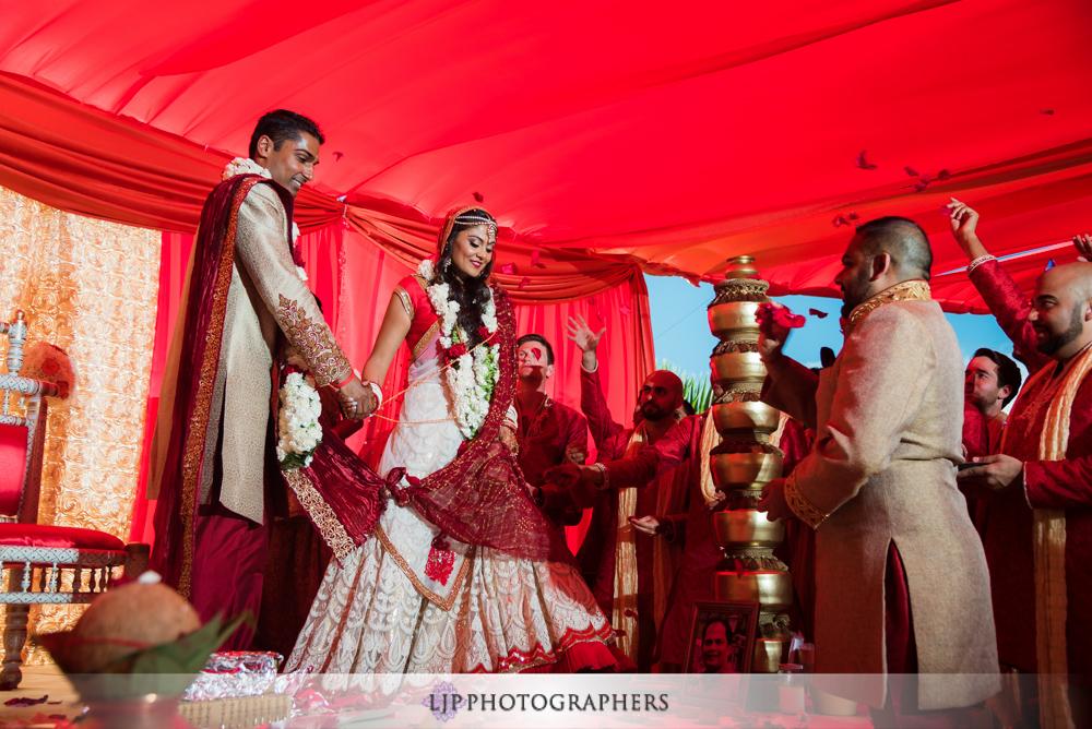 25-hummingbird-nest-ranch-indian-wedding-photographer-wedding-ceremony-photos