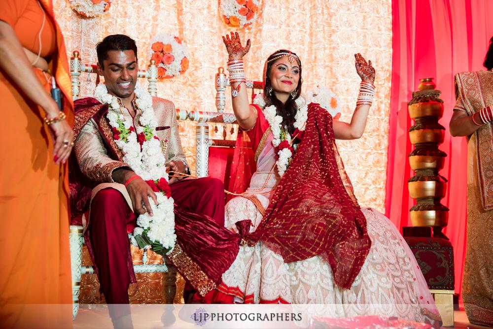 26-hummingbird-nest-ranch-indian-wedding-photographer-wedding-ceremony-photos