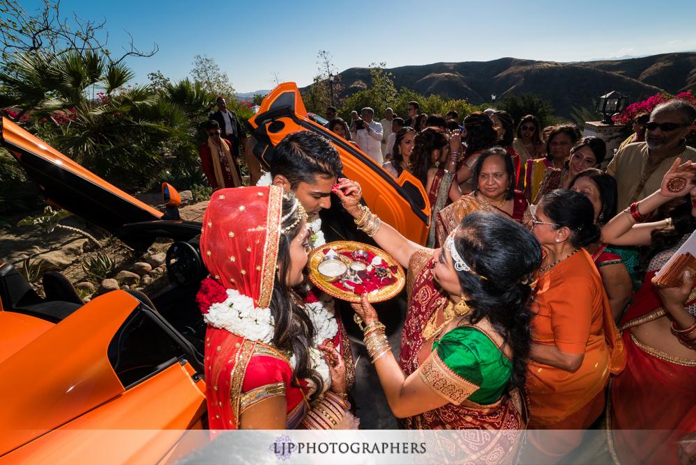 28-hummingbird-nest-ranch-indian-wedding-photographer-wedding-ceremony-photos