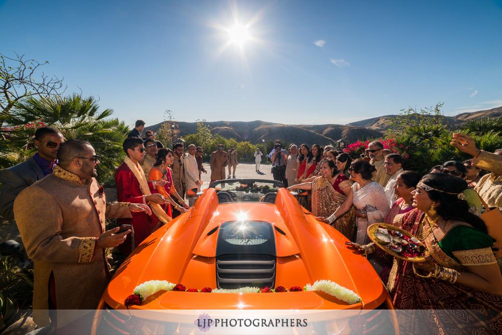 29-hummingbird-nest-ranch-indian-wedding-photographer-wedding-ceremony-photos