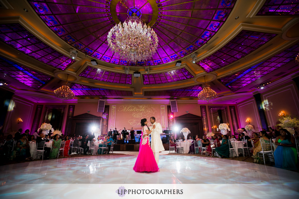 42-taglyan-complex-wedding-photographer-wedding-reception-photos