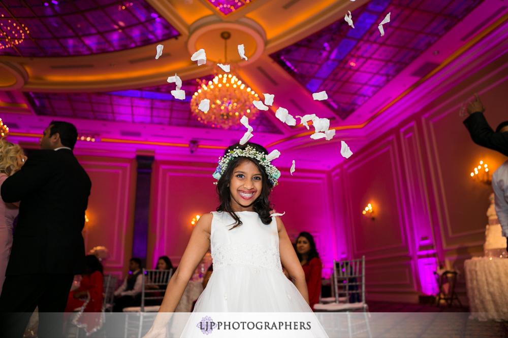 45-taglyan-complex-wedding-photographer-wedding-reception-photos