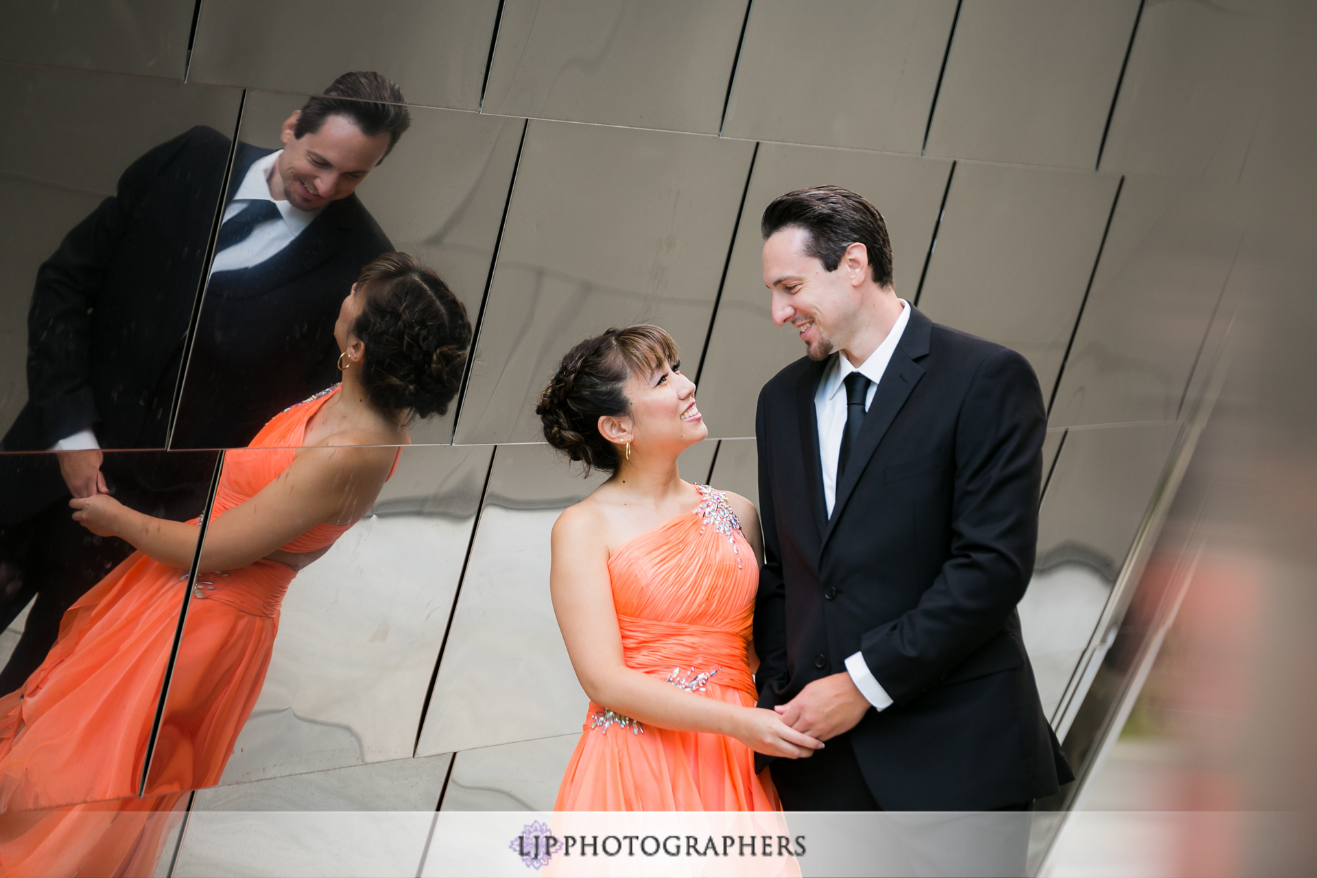 01-downtown-los-angeles-engagement-photographer