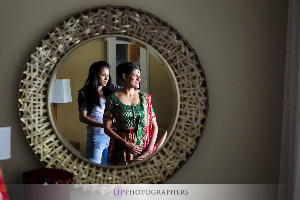 03-newport-beach-marriott-hotel-indian-wedding-photographer-getting-ready-photos