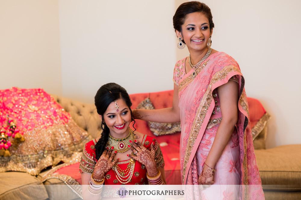 03-santiago-canyon-mansion-indian-wedding-photographer-getting-ready-photos
