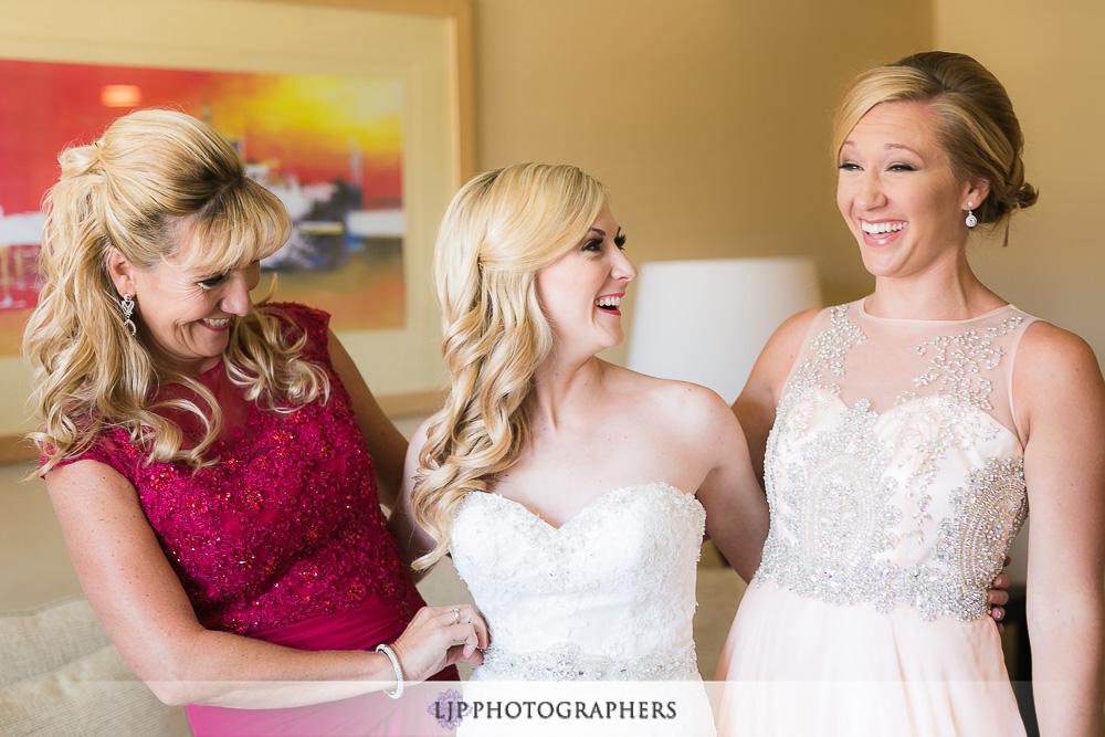 04-la-banquets-glenoaks-ballroom-wedding-photographer-getting-ready-photos