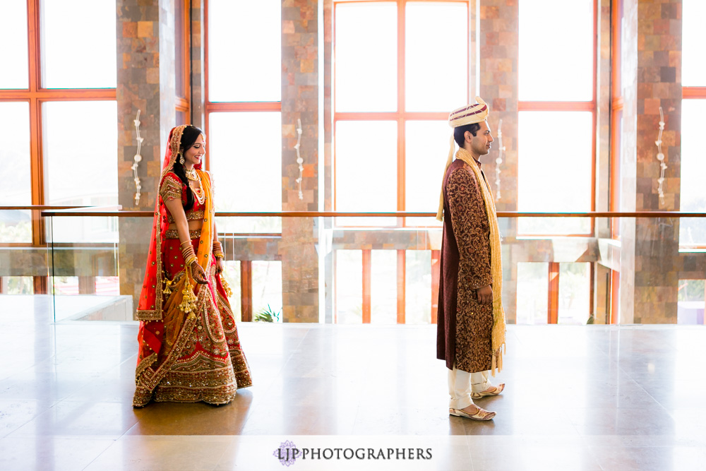 11-santiago-canyon-mansion-indian-wedding-photographer-first-look-couple-session-photos