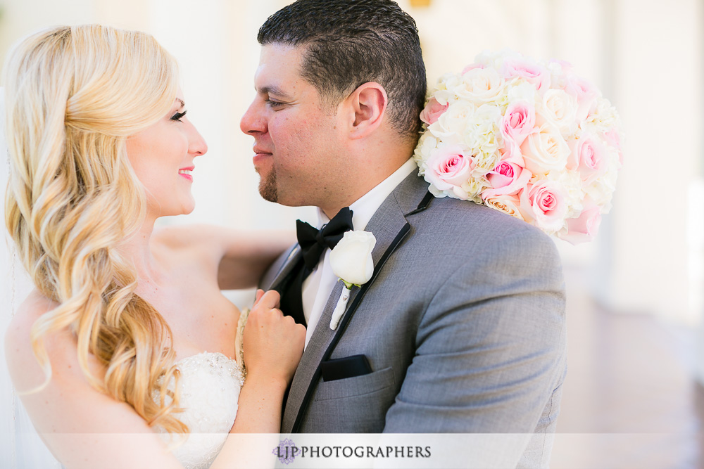 12-la-banquets-glenoaks-ballroom-wedding-photographer-first-look-wedding-party-couple-session-photos
