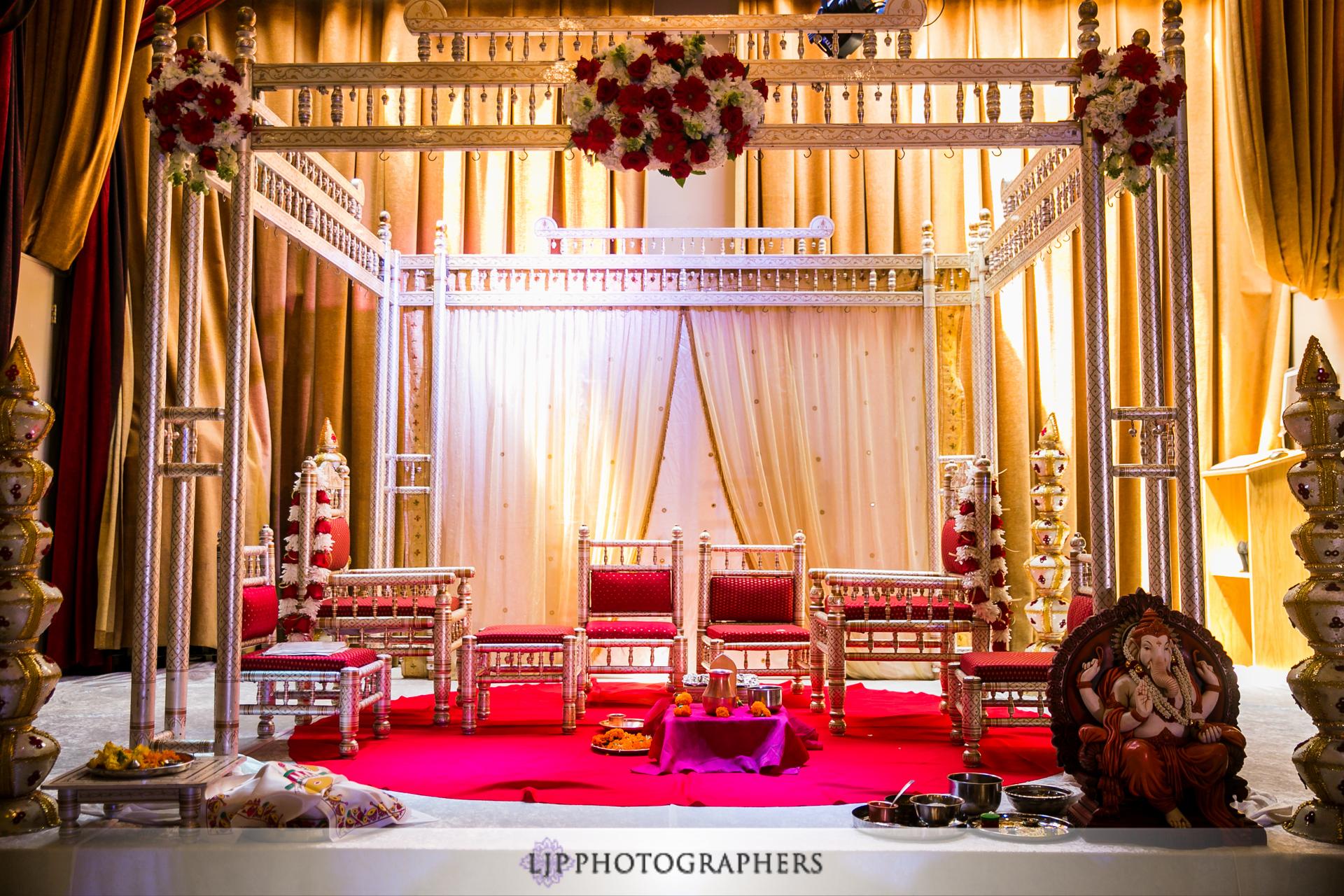 Home Le Foyer Marcinelle : Le foyer ballroom indian wedding ameet and carmen